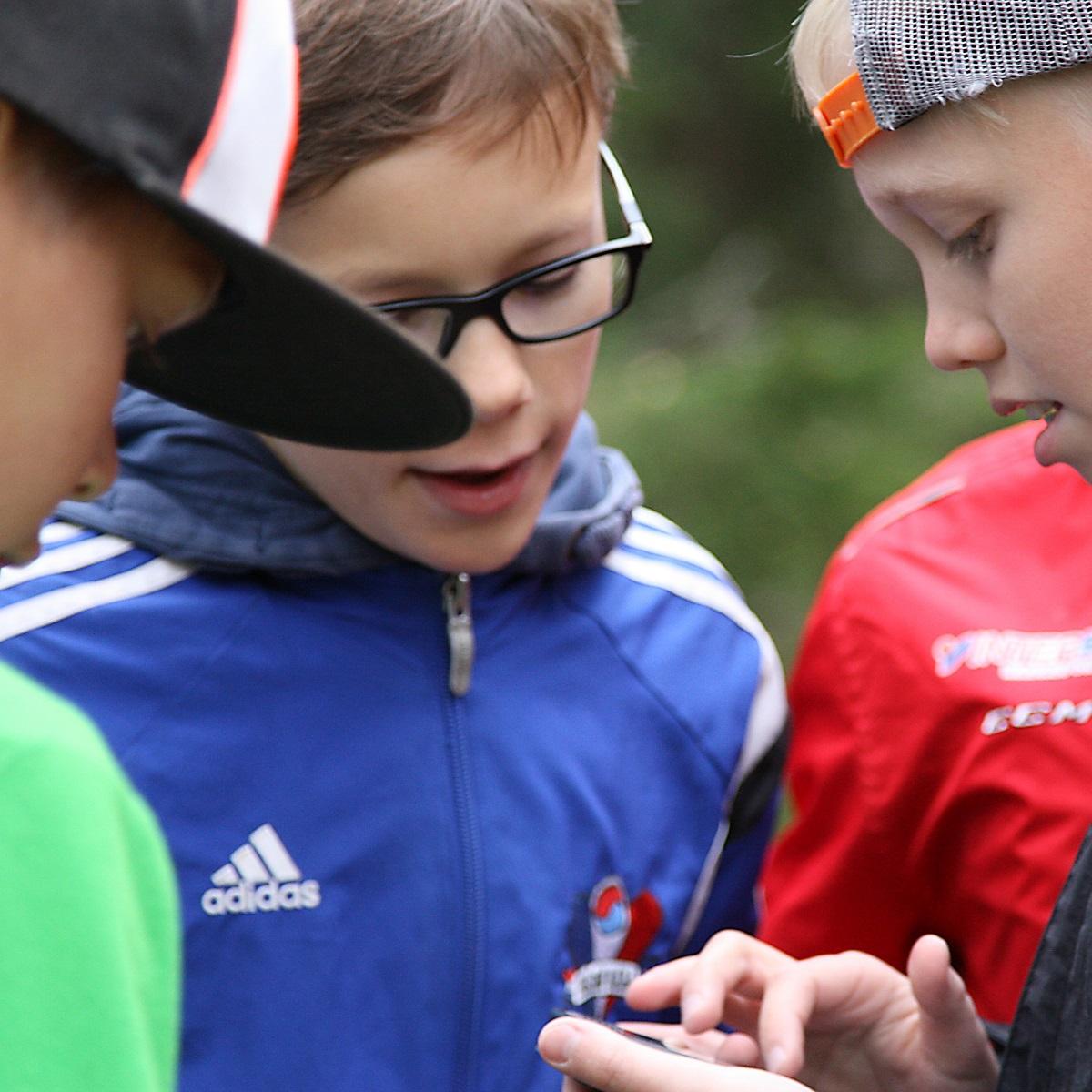 4fc1844b Vill du ge dina elever en chans att träna svenska under en fartylld utedag  i närmiljön? Vi vill göra svenskan konkret och rolig för eleverna samt
